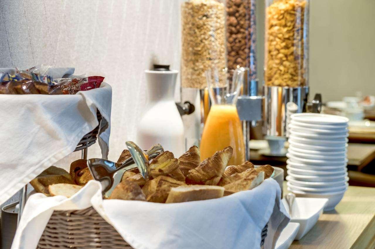 Hôtel Passy Eiffel - Prima colazione
